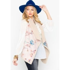 NWT BB Dakota Pink Floral Cream Lined Sherpa Vest